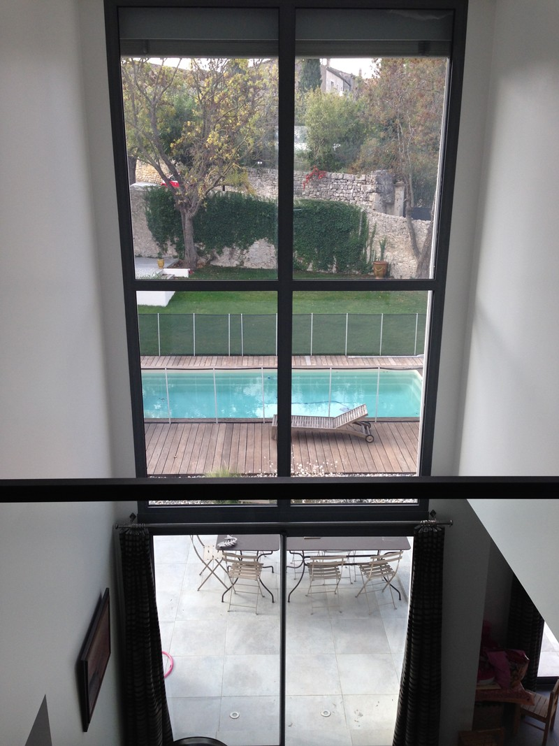 maison moderne atypique mur rideau alu partner menuiseries distribution menuiseries. Black Bedroom Furniture Sets. Home Design Ideas