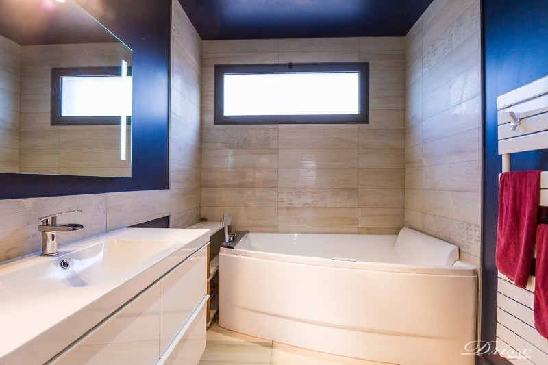 Awesome Fenetre Salle De Bain Taille Ideas Design Trends