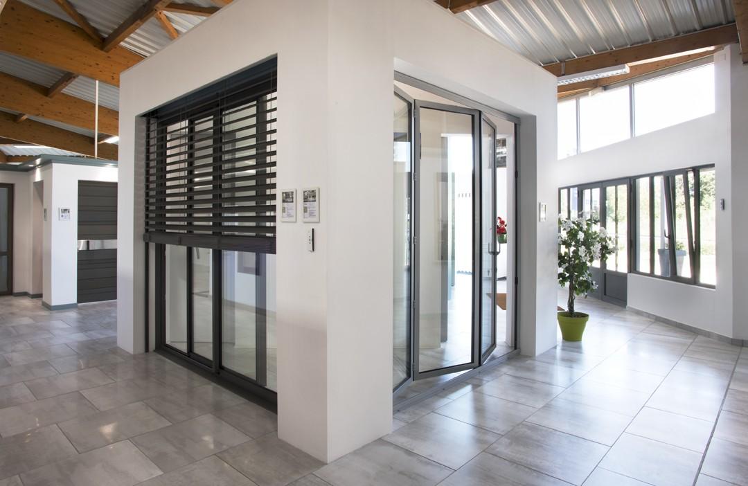 baie vitre volet roulant pour remplacer porte garage perfect duune porte de garage par une baie. Black Bedroom Furniture Sets. Home Design Ideas